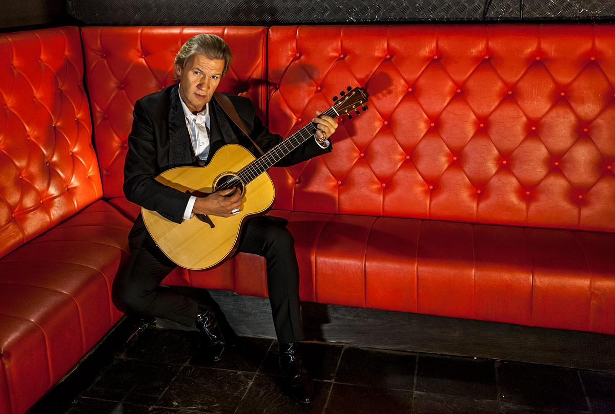 johnny-logan-gitarre